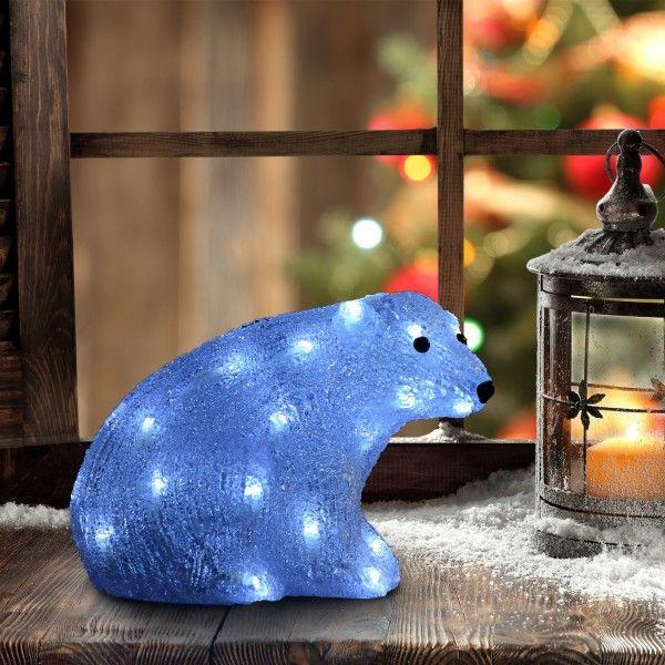 Precioso Oso Polar con luz para decorar tu hogar para Navidad. Tiene 32 luces LED de color blanco. Se puede utilizar para interior y exterior. Sus medidas son: 28x17x21cm. Puedes comprarlo online en https://www.aosom.es/hogar/oso-polar-led-28x17x21cm-navidad-decoracion-navidades-interior-exterior-nuevo.html con envíos gratis a España y Portugal en 24h/48h.