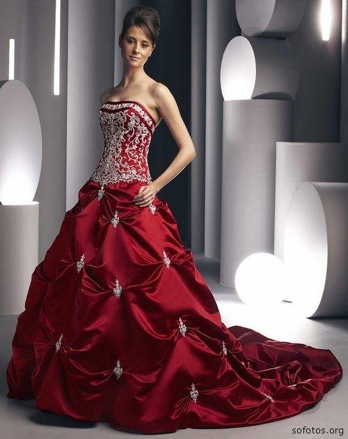 Vestido de Noiva http://3.bp.blogspot.com/-kg2w3ovsdYY/TWUlxz_YO-I/AAAAAAAAA8I/Fr4gtFLBXeU/s1600/vestido-de-noiva-vermelho-15.jpg