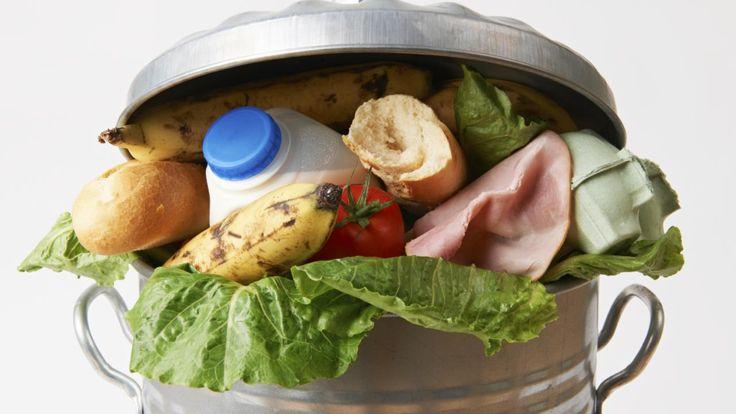 Wereldwijd verspillen we te veel voedsel. Als consumenten zijn we zelfs verantwoordelijk voor het grootste deel van de totale verspilling. Nog niet onder de indruk? De cijfers liegen niet.