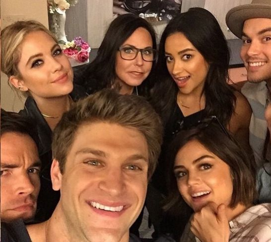 The Pretty Little Liars Cast Celebrated the Summer Premiere in the Most Perfect Way Imaginable