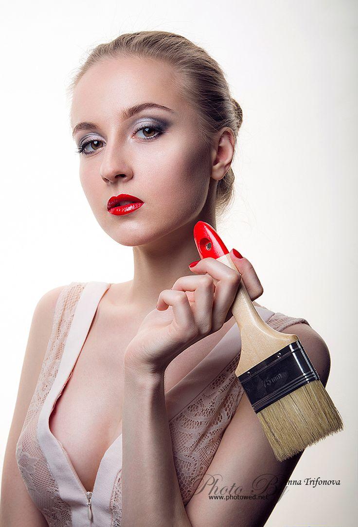 Профессиональный фотограф. Фотосъемка. Beauty portrait fashion women, in style make-up Artist.