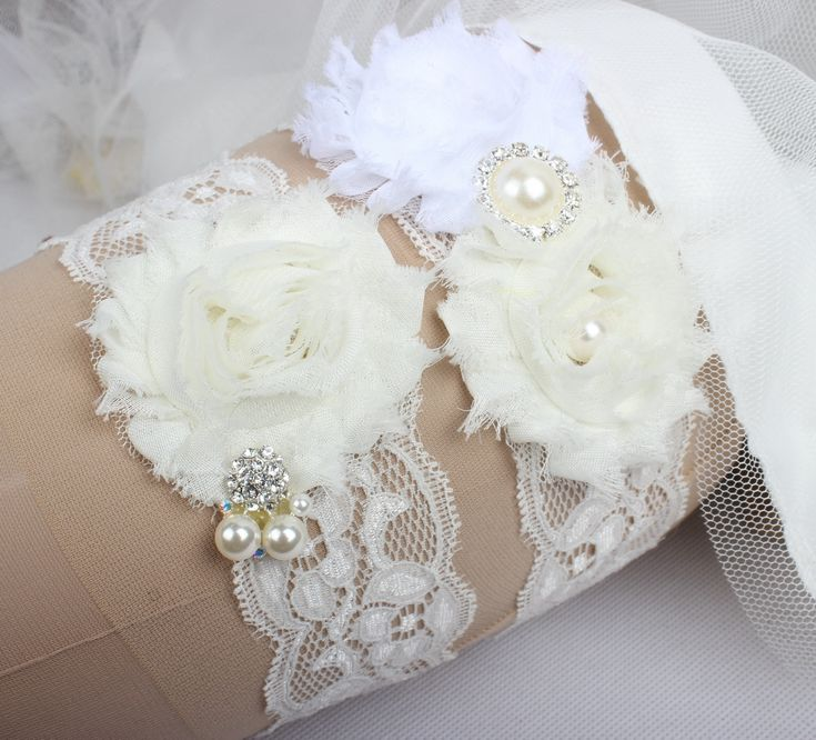 Bridal Garters For Bride Lace Wedding 2 Pieces Set Sexy Real Picture Pearls Glass Crystals Handmade Chiffon Flowers Cheap