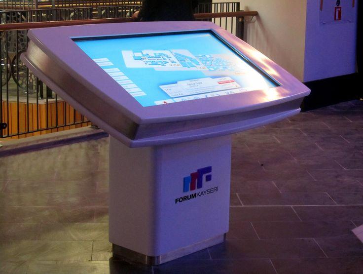 Forum Kayseri Alışveriş Merkezi'nde müşteriler aradıkları mağazaları touchdeskler üzerinden rahatlıkla bulabiliyorlar.