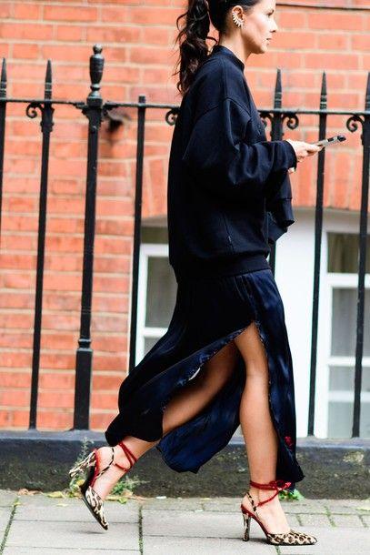 Πώς θα κάνετε πιο ενδιαφέρον ένα απλό μαύρο φόρεμα