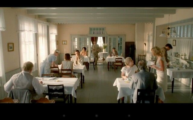 Love the Interior in the Danish TV-series Badehotellet. The style in Scandinavia around 1920 have such lovely soft colour combinations.