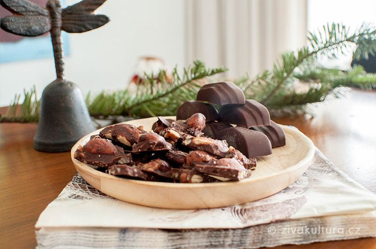 Čokoláda s ořechy, kokosem a mořskou solí – Živá kultura