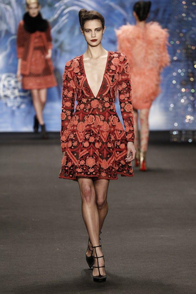 Naeem Khan RTW Fall 2015 - Slideshow - Runway, Fashion Week, Fashion Shows, Reviews and Fashion Images - WWD.com