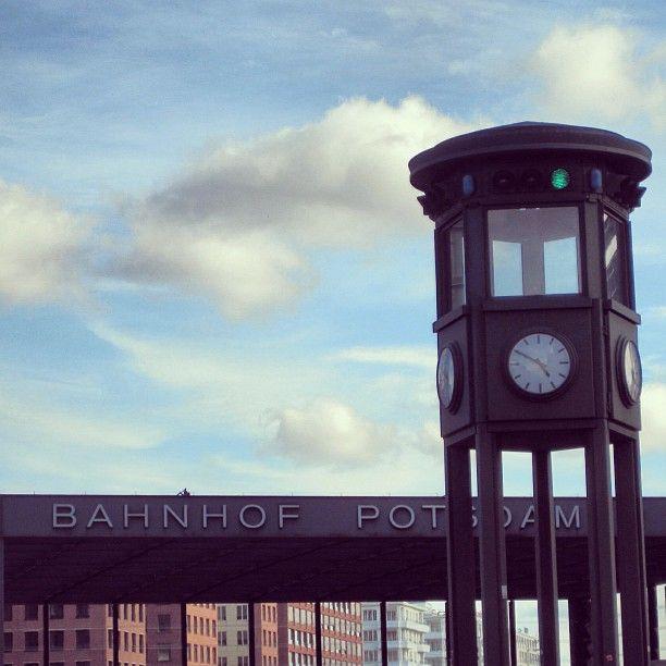 Bahnhof Potsdam Platz #berlinstories #preinstaera #blastfromthepast Photoshooting Berlin © elafini