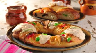 Christmas traditions in Mexico are mostly connected with family and Christian heritage. Learn more what are Noche de Rábanos or Rosca de Reyes.