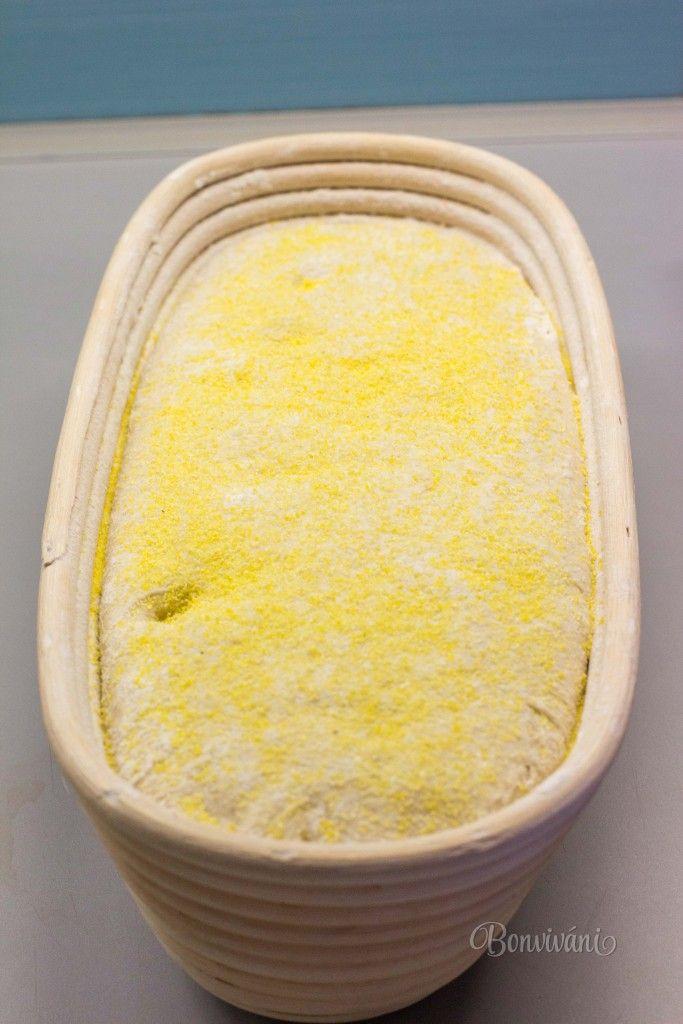 Špaldová múka je moja najobľúbenejšia a používam ju vlastne už skoro všade namiesto hladkej pšeničnej. Do palaciniek, polievok, koláčov, slaného pečiva. Mám veľmi rada jej orieškovú chuť a aj vlastnosti. Na rozdiel od žitnej múky z nej nebýva pečivo také hutné a placaté.