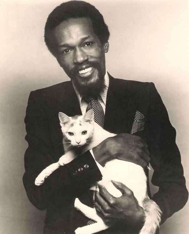 Eddie Kendricks and a cat