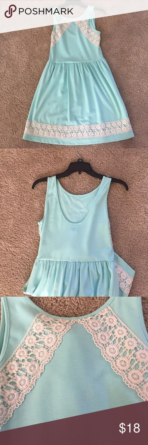 Juniors Dress The perfect, easy summer dress that you can throw on for anything! Dresses
