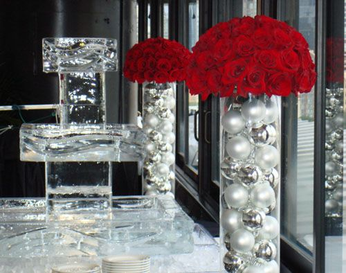 Dramatic - Silver and white balls with red roses