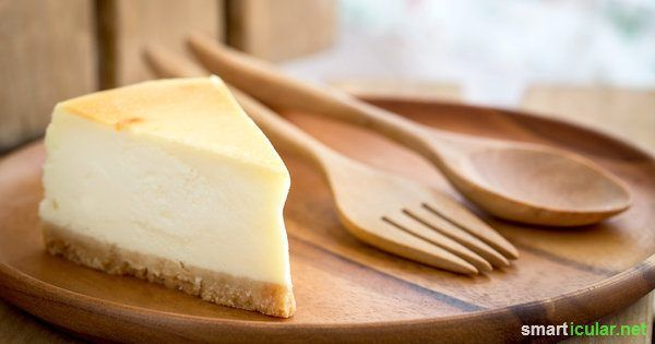 So backst du einen köstlichen Käsekuchen auch ohne Milchprodukte. Mit Tofu, Seidentofu und etwas Zitrone schmeckt dein veganer Kuchen Omas Original zum Verwechseln ähnlich.