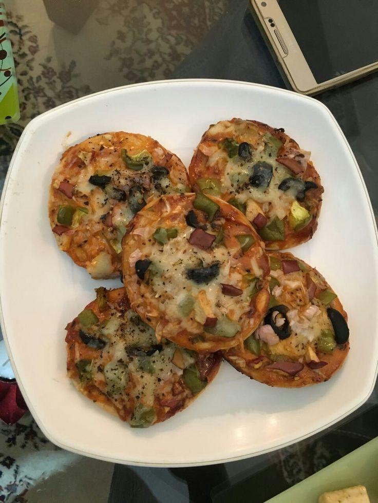 Whole wheat Sheizwaan pizza garlic toasts