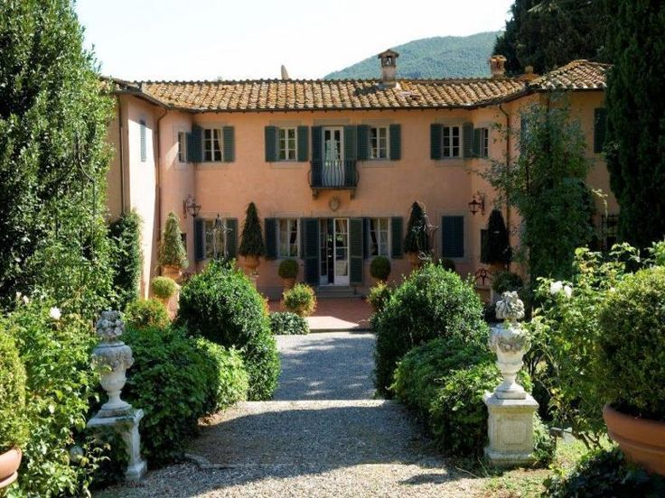 Villa Daltina is an authentic and luxurious, full service villa with great charm located not far at all from the charming wall city of Lucca. The villa is tastefully furnished with antique furniture with a mix of modern amenities. http://www.ciaoitalyvillas.com/tuscany-vacation-rentals/lucca/lucca-villas/10555