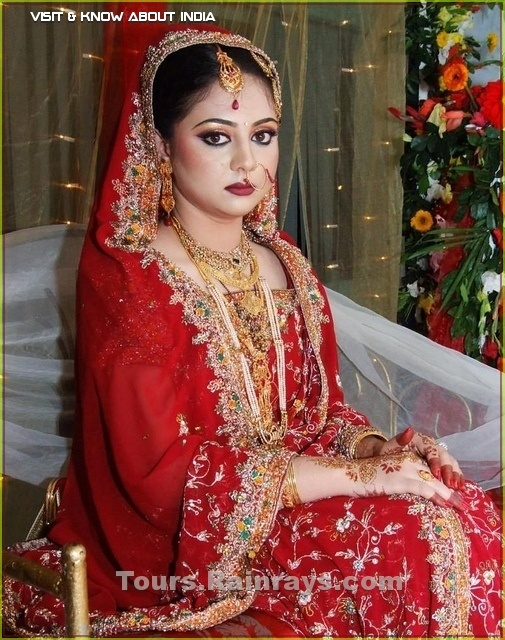 indian bridal dress, height of cultural fashion : Visit india with us