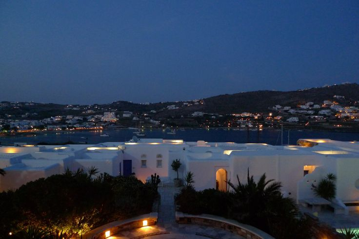 Melting hearts on a warm Mykonos evening. A walk along the beach and a great scarlet sunset to set the seal on your perfect holiday romance #KivotosMykonos http://qoo.ly/fbjdm