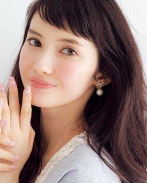 ichikawa_saya_pfofile_photo1.jpg (300×372)