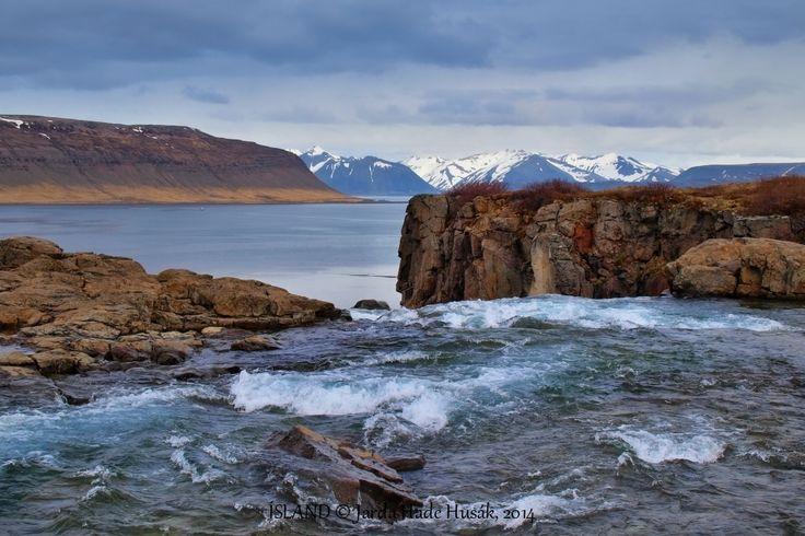 Westfjords -Hróaldsbrekku - under Foss