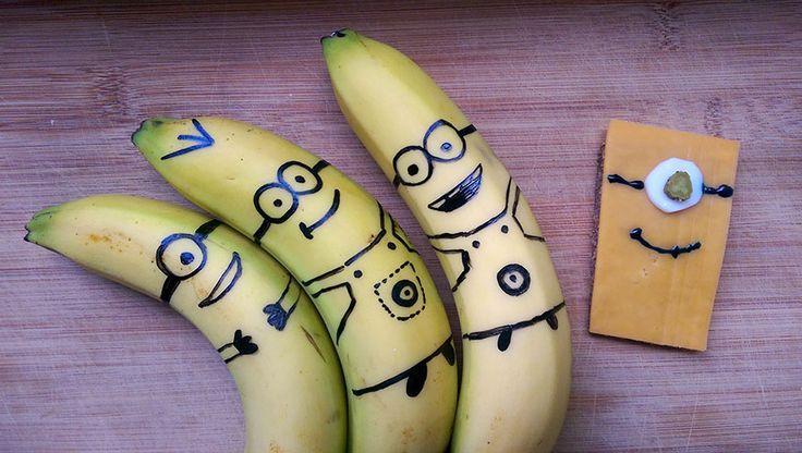 Minions zum Vernaschen: einmal im Bananen-Look und einmal als Toast.