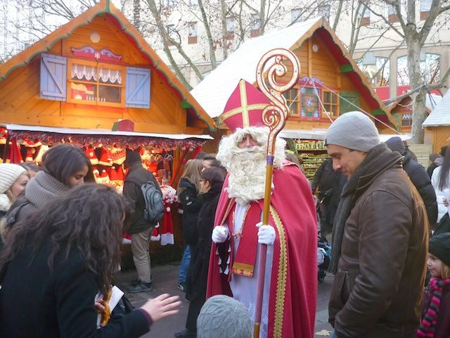 Christmas in France: just one of many websites with information about some of the interesting Christmas traditions in France.