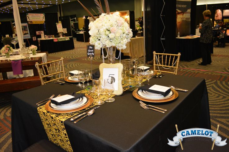 Take It Back To The 20 S Great Gatsby Table Set Up