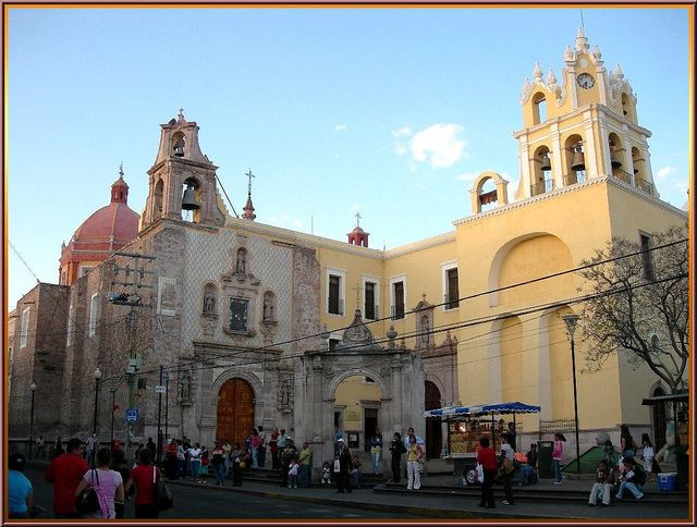 Templo de San Diego, Aguascalientes. The church of San Diego was inaugurated in 1647 and is run by the Franciscan Order since 1661. It features baroque and neoclassical architecture. The church consists of a main temple, an adjacent chapel called the Temple of the Third Order, a round shrine to the Virgin Mary called the Camarin, and catacombs beneath the church.