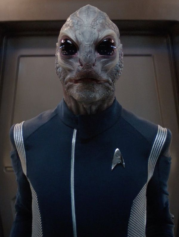 Star Trek Discovery Lieutenant Junior Grade Linus Male Saurian Star Trek Show Fandom Star Trek Star Trek Universe