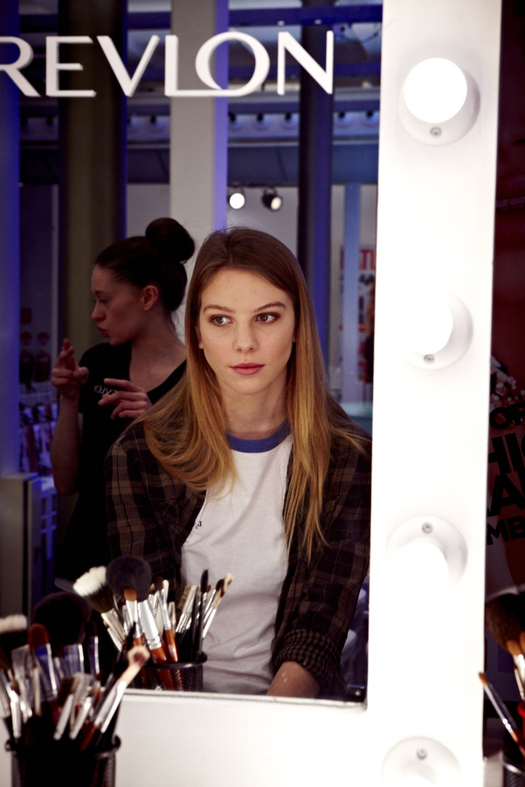 Revlon up in lights Backstage @ 30 days of Fashion & Beauty