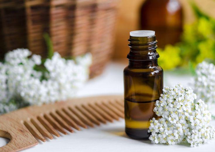 Ha hosszabb, erősebb vagy csak szimplán egészségesebb hajra vágyunk, a különböző olajok segítenek! Ezek a házi praktikák garantáltan beválnak.