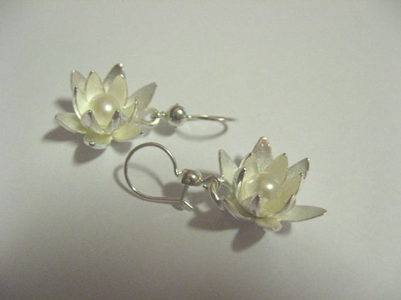 Marja Arola #earrings.   Artisaani.fi