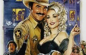 Dolly Parton's natural bra size is a 40DD, although rumour has it that she has recently undergone breast reduction surgery for medical reasons. Large breast LOVER'S THIS GAMES FOR YOU!