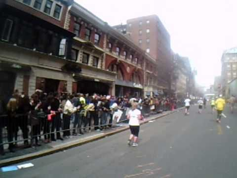 Boston Marathon 2013 explosion marathoner's point of view - YouTube