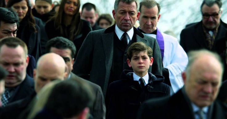 A Dark Knight Rises in New 'Gotham' Trailer -- Heroes are born in the streets of 'Gotham' as James Gordon rushes to a young Bruce Wayne's side in the latest look at Fox's DC origins series featuring Ben McKenzie and David Mazouz.