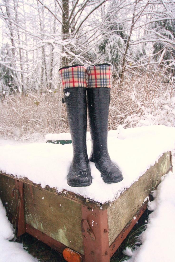 SLUGS Fleece Snow Rain Boot Liners Black With A Plaid Cuff, Fall Winter Fashion, Fleece Socks, Hunter Boot Socks (Med/Lg 9-11 Boot)