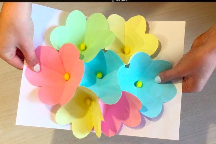 Överraska med ett egengjort 3D-kort på Mors dag! Allt du behöver är färgat papper, sax och lim. Såhär gör du: LÄS ÄVEN:Pyssel: Gör din egen blombox