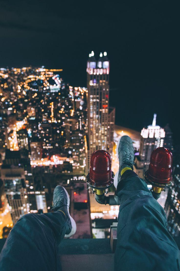 captvinvanity:  Look over the rooftops