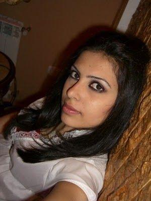 Sania Sheikh Beautiful Kuwait Girl