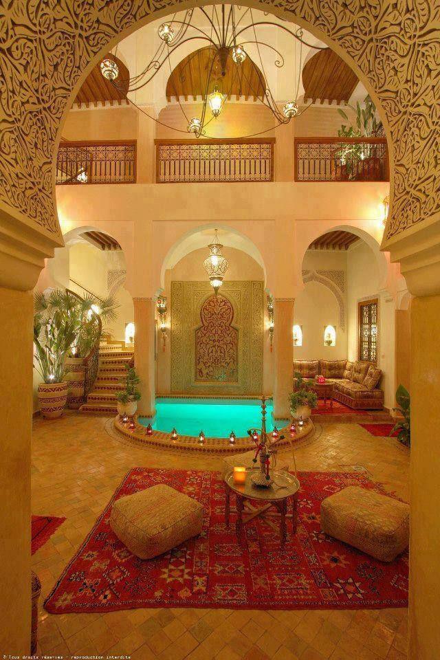Arquitectura rabe sala en patio rabe arabia - Decoracion arabe interiores ...