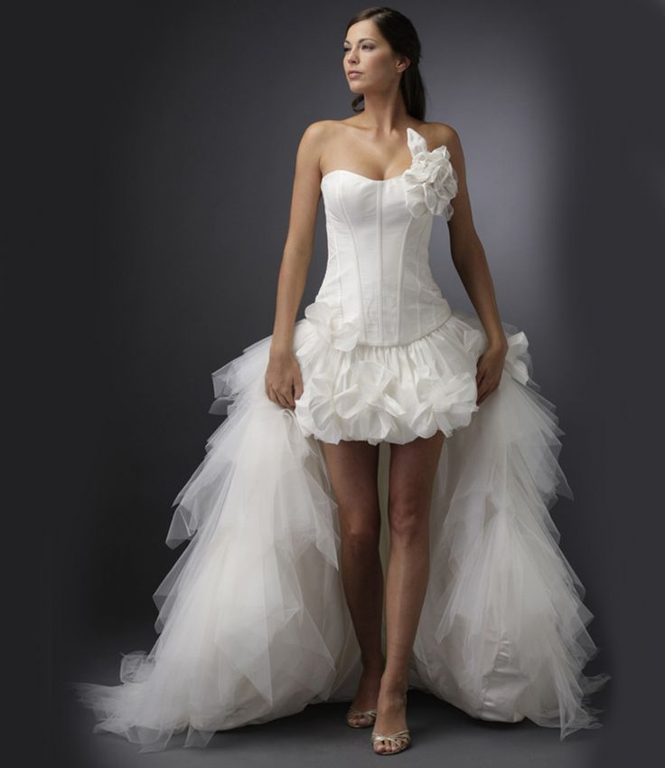 Arabella Lux Esküvői Ruhaszalon M97065