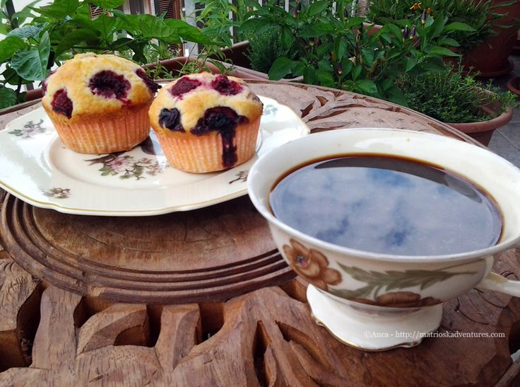 Muffins cu zmeura afine si iaurt grecesc