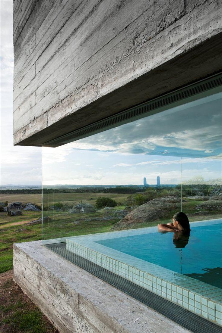 Glass / concrete contrast. Las Piedras FasanoPunta del Este / Uruguay
