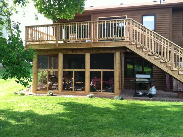 A great screened in porch under the deck decks for Patio organization ideas