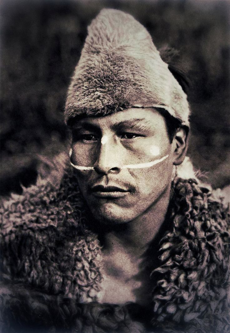 "Selknam man named ""Toin"", photographed by Martin Gusinde, 1923"