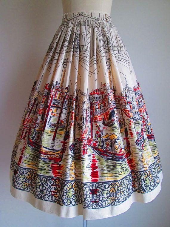 1950s Skirt / Vintage 1950s Circle Skirt / Novelty Print Cityscape Cotton Circle Skirt