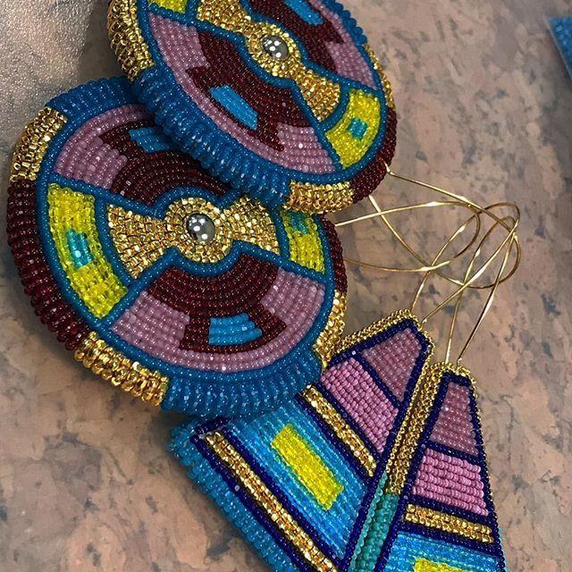 Earrings for the b.yellowtail collective #beadwork #beadedearrings #24kgold #antiquecutbeads #vintagecutbeads #apsaalooke #microbeads #byellowtailcollective #nativamerican