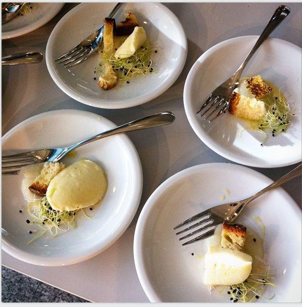 Chef Corrado Parisi  Emulsione di finocchio, mozzarella trattata con acqua di mare, olio di oliva e germogli. #food #cooking