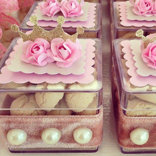 Caixinhas de bolinho de goma cheia de realeza!!! #prendaminha #chadebebe #jardimdaprincesa #laraf - prendaminhaprenda