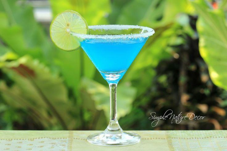 Blue Margarita: http://www.simplenaturedecorblog.com/red-white-blue-dessert-ideas/